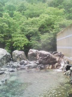 リンドウの湯の露天風呂